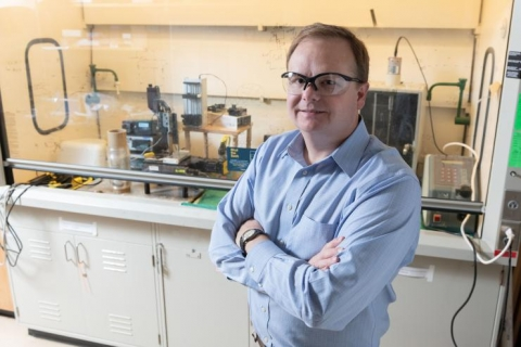<div>Dr. Carson Meredith from Georgia Tech's School of Chemical &amp; Biomolecular Engineering has developed a sustainable, flexible packaging wrap that is comprised of cellulose nanocrystals from wood pulp and chitin nanofibers which can be found in the discarded shells of crabs and shrimp.</div>