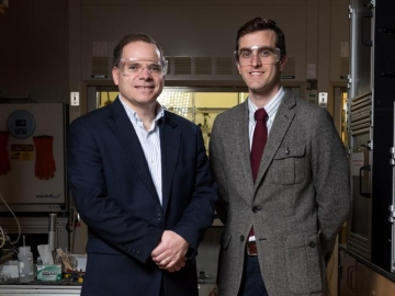 <p>Thermally-based industrial chemical separation processes such as distillation now account for 10 to 15 percent of the world's annual energy use. Researchers at the Georgia Institution of Technology are suggesting seven energy-intensive separation processes they believe should be the top targets for research into low-energy purification technologies. Shown are (l-r) David Sholl and Ryan Lively. (Credit: Rob Felt, Georgia Tech)</p>